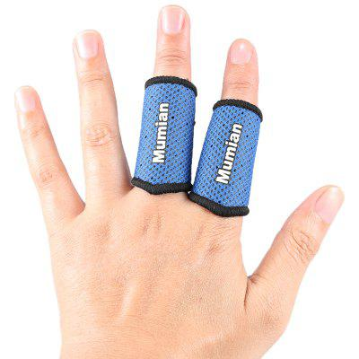 Mumian A71 Classic Sports Basketball Finger Sleeve Brace - 1 PairSports Protective Gear<br>Mumian A71 Classic Sports Basketball Finger Sleeve Brace - 1 Pair<br><br>Package Content: 1 x Pairs of Finger Sleeve<br>Package size: 10.20 x 3.20 x 17.20 cm / 4.02 x 1.26 x 6.77 inches<br>Package weight: 0.0400 kg<br>Product size: 10.00 x 3.00 x 17.00 cm / 3.94 x 1.18 x 6.69 inches<br>Product weight: 0.0300 kg