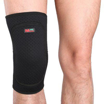 Mumian B04 Thicken Breathable Sport Knee Guard Protector - BlackSports Protective Gear<br>Mumian B04 Thicken Breathable Sport Knee Guard Protector - Black<br><br>Package Content: 1 x Knee Sleeve<br>Package size: 20.20 x 10.20 x 4.20 cm / 7.95 x 4.02 x 1.65 inches<br>Package weight: 0.1000 kg<br>Product size: 20.00 x 10.00 x 4.00 cm / 7.87 x 3.94 x 1.57 inches<br>Product weight: 0.0950 kg