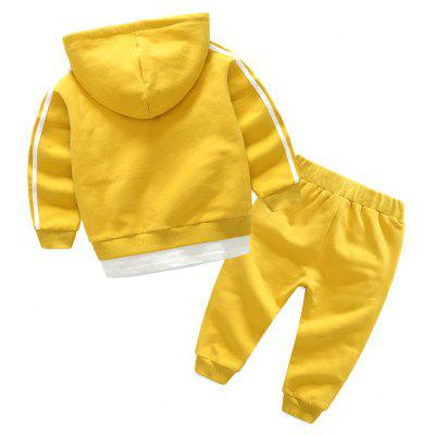 Boys Sports Suit Male Baby Cotton Two Set Children Hoodie 2017 Hitz Jacket PantsBoys Clothing<br>Boys Sports Suit Male Baby Cotton Two Set Children Hoodie 2017 Hitz Jacket Pants<br><br>Closure Type: Zipper<br>Collar: Collarless<br>Fabric Type: Broadcloth<br>Gender: Boy<br>Material: Cotton<br>Package Contents: 1xJacket 1xPants<br>Pattern Style: Print<br>Season: Winter<br>Sleeve Length: Full<br>Sleeve Style: Regular<br>Style: Movement<br>Thickness: General<br>Weight: 0.5000kg