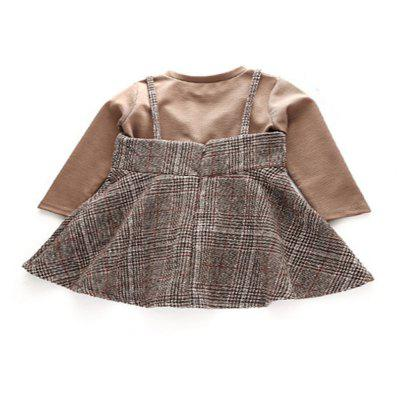 Girls Fall 2017 New Small Western Style Suit Dress T-Shirt Plaid Dress Korean Children Two Pieces of CottonGirls Clothing<br>Girls Fall 2017 New Small Western Style Suit Dress T-Shirt Plaid Dress Korean Children Two Pieces of Cotton<br><br>Dresses Length: Knee-Length<br>Elasticity: Elastic<br>Embellishment: Tassel<br>Material: Cotton<br>Neckline: Round Collar<br>Package Contents: 1xT-shirt 1xDress<br>Pattern Type: Plaid<br>Season: Fall, Spring<br>Silhouette: Straight<br>Sleeve Length: Long Sleeves<br>Sleeve Type: Spaghetti Strap<br>Style: Cute<br>Weight: 0.5000kg<br>With Belt: No
