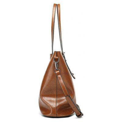 European and American Fashion Bag of Leather HandbagCrossbody Bags<br>European and American Fashion Bag of Leather Handbag<br><br>Closure Type: Zipper<br>Gender: For Women<br>Handbag Type: Crossbody bag<br>Main Material: PU<br>Occasion: Versatile<br>Package Contents: 1 x Cross-body Bag<br>Package size (L x W x H): 32.00 x 13.00 x 29.00 cm / 12.6 x 5.12 x 11.42 inches<br>Package weight: 0.4000 kg<br>Pattern Type: Solid<br>Style: Casual