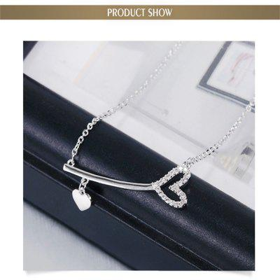 White Gold Love Heart Cute Necklace for Girls and WomenNecklaces &amp; Pendants<br>White Gold Love Heart Cute Necklace for Girls and Women<br><br>Gender: For Women<br>Item Type: Pendant Necklaces<br>Length of Chain: 42 cm<br>Metal Type: Alloy<br>Necklace Type: Snake Chain<br>Package Contents: 1 x Necklace<br>Package size (L x W x H): 36.00 x 26.00 x 24.00 cm / 14.17 x 10.24 x 9.45 inches<br>Package weight: 0.0240 kg<br>Shape/Pattern: Heart<br>Stone Color: Silver<br>Style: Romantic<br>Surface Plating: Silver Plated<br>Weight: 4.4928kg<br>Width: 0.4 cm