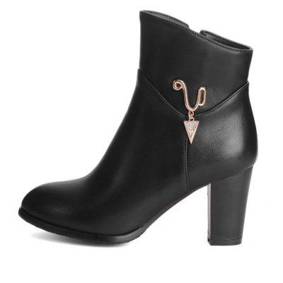 Womens Boots Solid Color Metal Decoration High Heel ShoesWomens Boots<br>Womens Boots Solid Color Metal Decoration High Heel Shoes<br><br>Boot Height: Ankle<br>Boot Tube Height: 11.5<br>Boot Type: Fashion Boots<br>Closure Type: Zip<br>Embellishment: Metal<br>Gender: For Women<br>Heel Height: 7.5<br>Heel Height Range: High(3-3.99)<br>Heel Type: Chunky Heel<br>Package Contents: 1 x Shoes(pair)<br>Pattern Type: Solid<br>Season: Spring/Fall, Winter<br>Toe Shape: Round Toe<br>Upper Material: PU<br>Weight: 1.6588kg