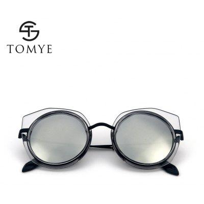 TOMYE 55907 2018 New PC Metal Cat Eye Women Polarized SunglassesWomens Sunglasses<br>TOMYE 55907 2018 New PC Metal Cat Eye Women Polarized Sunglasses<br><br>Brand: TOMYE<br>Frame Length: 136mm<br>Frame material: Acetate<br>Gender: For Women<br>Group: Adult<br>Lens height: 56mm<br>Lens material: Resin<br>Lens width: 60mm<br>Lenses Optical Attribute: Polarized<br>Nose: 16mm<br>Package Contents: 1 x Sunglasses, 1 x Sunglasses Box, 1 x Sunglasses Cloth<br>Package size (L x W x H): 16.00 x 6.00 x 6.00 cm / 6.3 x 2.36 x 2.36 inches<br>Package weight: 0.0700 kg<br>Product weight: 0.0250 kg<br>Style: Cat Eye<br>Temple Length: 143mm