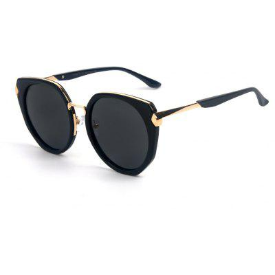 Buy BLACK+GREY TOMYE 55910 Polarized PC Metal Colorful Cat Eye Sunglasses for Women for $16.88 in GearBest store