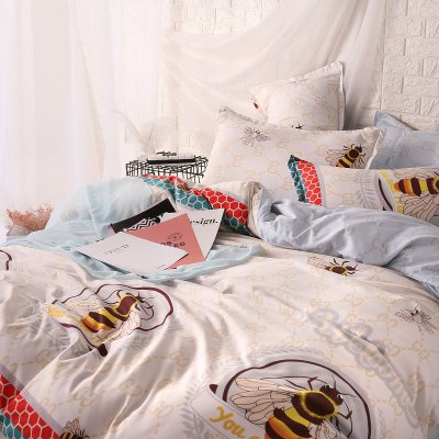 weina 4-piece Cotton Warm Bee Pattern Bedding SetBedding Sets<br>weina 4-piece Cotton Warm Bee Pattern Bedding Set<br><br>Brand: weina<br>Category: Bedding Set<br>For: All<br>Material: Cotton<br>Occasion: Bedroom<br>Package Contents: 1 x Quilt Cover, 1 x Bed Sheet, 2 x Pillow Case<br>Package size (L x W x H): 50.00 x 40.00 x 5.00 cm / 19.69 x 15.75 x 1.97 inches<br>Package weight: 2.8000 kg<br>Product weight: 2.5000 kg<br>Type: Comfortable