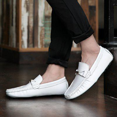 Peas Male Leather Driving British Leisure White Feet Lazy ShoesFlats &amp; Loafers<br>Peas Male Leather Driving British Leisure White Feet Lazy Shoes<br><br>Available Size: The international mens shoes size<br>Closure Type: Slip-On<br>Embellishment: Sequined<br>Gender: For Men<br>Outsole Material: Rubber<br>Package Contents: 1 X Shoes(pair)<br>Pattern Type: Letter<br>Season: Summer, Winter, Spring/Fall<br>Toe Shape: Round Toe<br>Toe Style: Closed Toe<br>Upper Material: Genuine Leather<br>Weight: 1.3403kg