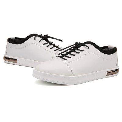 Low Vamp Leisure Warm Flat ShoesCasual Shoes<br>Low Vamp Leisure Warm Flat Shoes<br><br>Available Size: 39 40 41 42 43 44<br>Closure Type: Lace-Up<br>Embellishment: None<br>Flat Type: T-Strap<br>Gender: For Men<br>Insole Material: Rubber<br>Lining Material: Plush<br>Occasion: Casual<br>Outsole Material: Rubber<br>Package Contents: 1?Shoes(pair)<br>Pattern Type: Others<br>Season: Winter<br>Shoe Width: Medium(B/M)<br>Toe Shape: Round Toe<br>Toe Style: Closed Toe<br>Upper Material: PU<br>Weight: 1.0200kg