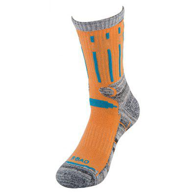 Autumn and Winter High Tube Outdoor Climbing Ski Sports SocksSocks &amp; Tights<br>Autumn and Winter High Tube Outdoor Climbing Ski Sports Socks<br><br>Contents: 1x Box of Socks<br>Gender: Unisex<br>Material: Cotton<br>Package size (L x W x H): 23.00 x 11.00 x 7.00 cm / 9.06 x 4.33 x 2.76 inches<br>Package weight: 0.3000 kg<br>Style: Active<br>Type: Socks