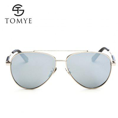 TOMYE 9522 Fashion Aviator HD Polarized Sunglasses for Man and WomenMens Sunglasses<br>TOMYE 9522 Fashion Aviator HD Polarized Sunglasses for Man and Women<br><br>Brand: TOMYE<br>Frame Length: 148mm<br>Frame material: Copper<br>Gender: Unisex<br>Group: Adult<br>Lens height: 54mm<br>Lens material: Resin<br>Lens width: 60mm<br>Lenses Optical Attribute: Polarized<br>Nose: 13mm<br>Package Contents: 1 x Pair of Sunglasses, 1 x Glasses Case, 1 x Glasses Cloth<br>Package size (L x W x H): 16.00 x 6.00 x 6.00 cm / 6.3 x 2.36 x 2.36 inches<br>Package weight: 0.0700 kg<br>Product weight: 0.0240 kg<br>Style: Pilot<br>Temple Length: 140mm