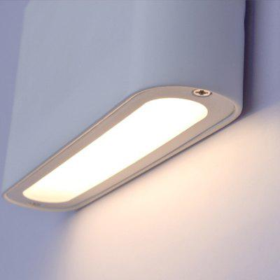 Modern Simple LED Waterproof Wall Lamp Garden Lights 85 - 265VWall Lights<br>Modern Simple LED Waterproof Wall Lamp Garden Lights 85 - 265V<br><br>Bulb Base: LED Integrated<br>Bulb Included: Yes<br>Finish: Electroplated<br>Light Source Color: Natural White,Warm White,White<br>Number of Bulbs: 1<br>Overall Depth ( CM ): 3<br>Overall Height ( CM ): 18<br>Overall Width ( CM ): 9<br>Package Contents: 1 x Wall Lamp<br>Package size (L x W x H): 19.00 x 10.00 x 4.00 cm / 7.48 x 3.94 x 1.57 inches<br>Package weight: 1.3000 kg<br>Power Supply: Power<br>Product size (L x W x H): 18.00 x 9.00 x 3.00 cm / 7.09 x 3.54 x 1.18 inches<br>Product weight: 1.2000 kg<br>Production Mode: Self-produce<br>Shade Material: PVC<br>Style: Simple, Modern/Contemporary<br>Suggested Room Size: 5 - 10 Square Meters<br>Type: Wall Sconces<br>Voltage: 85V - 265V AC<br>Wattage: 12W<br>Wattage per Bulb ( W ): 12
