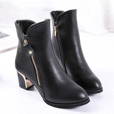 Martin New Winter  with Thick British Style Short Canister  Female Fall Side Zipper BootsWomens Boots<br>Martin New Winter  with Thick British Style Short Canister  Female Fall Side Zipper Boots<br><br>Boot Height: Mid-Calf<br>Boot Type: Fashion Boots<br>Closure Type: Zip<br>Gender: For Women<br>Heel Type: Chunky Heel<br>Package Contents: 1 x Shoes?Pair?<br>Pattern Type: Solid<br>Season: Spring/Fall<br>Toe Shape: Pointed Toe<br>Upper Material: PU<br>Weight: 1.1200kg