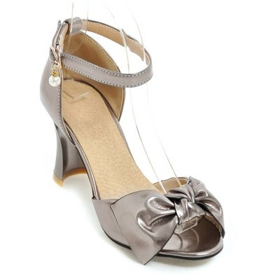 Women's Sandals with Hollow-out Chunky Heel