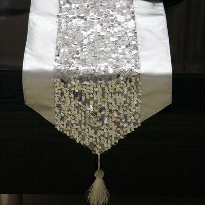 Lmdec 17YSGZ01 Silver Sequins Stitching Table Runner