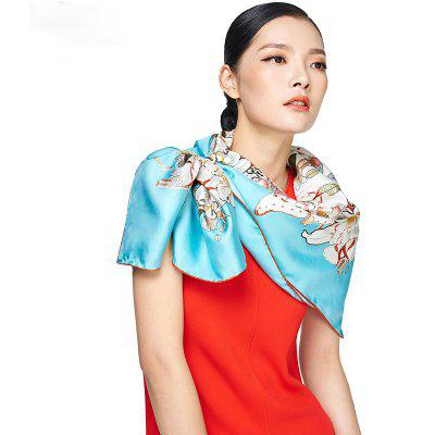 Classic Twill Silk Scarf Women Luxury Large Size Square ShawlsScarves<br>Classic Twill Silk Scarf Women Luxury Large Size Square Shawls<br><br>Elasticity: Micro-elastic<br>Gender: For Women<br>Group: Adult<br>Package Contents: 1 x Scarf<br>Package size (L x W x H): 36.00 x 22.00 x 4.00 cm / 14.17 x 8.66 x 1.57 inches<br>Package weight: 0.5000 kg<br>Product weight: 0.2000 kg<br>Scarf Type: Scarf<br>Season: Fall, Winter, Spring, Summer<br>Style: Fashion