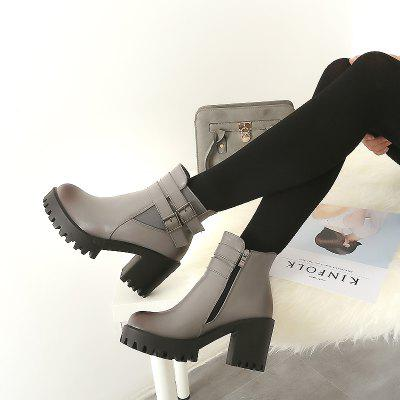 Womens Shoes Winter Fashion Round Toe Booties Ankle Motorcycle BootsWomens Boots<br>Womens Shoes Winter Fashion Round Toe Booties Ankle Motorcycle Boots<br><br>Boot Height: Ankle<br>Boot Tube Circumference: 30<br>Boot Tube Height: 10<br>Boot Type: Motorcycle Boots<br>Closure Type: Zip<br>Gender: For Women<br>Heel Height: 7<br>Heel Height Range: Med(1.75-2.75)<br>Heel Type: Chunky Heel<br>Insole Material: PU<br>Lining Material: PU<br>Outsole Material: Rubber<br>Package Contents: 1xShoes(pair)<br>Pattern Type: Solid<br>Platform Height: 2.5<br>Season: Winter<br>Shoe Width: Medium(B/M)<br>Toe Shape: Round Toe<br>Upper Material: PU<br>Weight: 2.2500kg