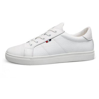Genuine Leather Men Casual Shoes Soft Casual Driving Flats White Black SneakersCasual Shoes<br>Genuine Leather Men Casual Shoes Soft Casual Driving Flats White Black Sneakers<br><br>Available Size: 37-45<br>Closure Type: Lace-Up<br>Embellishment: None<br>Gender: For Men<br>Outsole Material: Rubber<br>Package Contents: 1?Shoes(pair)<br>Pattern Type: Others<br>Season: Summer, Winter, Spring/Fall<br>Toe Shape: Round Toe<br>Toe Style: Closed Toe<br>Upper Material: Microfiber<br>Weight: 1.2000kg