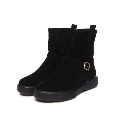 Flat Heel Snow Boots Plush Short BootsWomens Boots<br>Flat Heel Snow Boots Plush Short Boots<br><br>Boot Height: Ankle<br>Boot Type: Fashion Boots<br>Closure Type: Slip-On<br>Gender: For Women<br>Heel Height: 3<br>Heel Height Range: Low(0.75-1.5)<br>Heel Type: Flat Heel<br>Insole Material: PU<br>Lining Material: Plush<br>Outsole Material: Rubber<br>Package Contents: 1xShoes?pair?<br>Pattern Type: Solid<br>Platform Height: 3<br>Season: Spring/Fall, Winter<br>Shoe Width: Wide(C/D/W)<br>Toe Shape: Round Toe<br>Upper Material: Microfiber<br>Weight: 0.8200kg