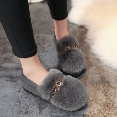 Winter New Flat Metal Bottom Wool ShoesWomens Flats<br>Winter New Flat Metal Bottom Wool Shoes<br><br>Available Size: 35-39<br>Closure Type: Slip-On<br>Embellishment: Chains<br>Flat Type: Ballet Flats<br>Gender: For Women<br>Heel Height: 2<br>Heel Height Range: Flat(0-0.5)<br>Insole Material: Rubber<br>Lining Material: Plush<br>Occasion: Casual<br>Outsole Material: Rubber<br>Package Contents: 1?Shoes?pair?<br>Package size (L x W x H): 25.00 x 20.00 x 15.00 cm / 9.84 x 7.87 x 5.91 inches<br>Package weight: 0.8000 kg<br>Pattern Type: Solid<br>Season: Winter, Spring/Fall<br>Shoe Width: Medium(B/M)<br>Toe Shape: Round Toe<br>Toe Style: Closed Toe<br>Upper Material: Flock