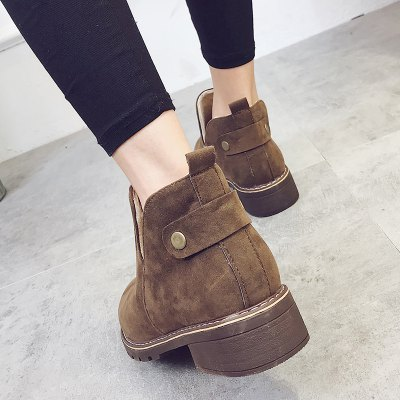 Autumn and Winter New Low-Heel England Bare BootsWomens Boots<br>Autumn and Winter New Low-Heel England Bare Boots<br><br>Boot Height: Ankle<br>Boot Type: Western<br>Closure Type: Slip-On<br>Gender: For Women<br>Heel Height: 2<br>Heel Height Range: Low(0.75-1.5)<br>Heel Type: Low Heel<br>Insole Material: EVA<br>Lining Material: PU<br>Outsole Material: Rubber<br>Package Contents: 1?Shoes(pair)<br>Pattern Type: Solid<br>Platform Height: 1<br>Season: Spring/Fall, Winter<br>Shoe Width: Medium(B/M)<br>Toe Shape: Round Toe<br>Upper Material: Flock<br>Weight: 1.8000kg