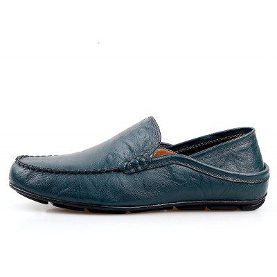 Doug Driving Leather Big ShoesFlats &amp; Loafers<br>Doug Driving Leather Big Shoes<br><br>Available Size: 38.39.40.41.42.43.44.45.46<br>Closure Type: Slip-On<br>Embellishment: None<br>Gender: For Men<br>Insole Material: PU<br>Lining Material: PU<br>Occasion: Casual<br>Outsole Material: Rubber<br>Package Contents: 1 x Shoes? Pair ?<br>Pattern Type: Solid<br>Season: Summer, Winter, Spring/Fall<br>Shoe Width: Medium(B/M)<br>Toe Shape: Round Toe<br>Toe Style: Closed Toe<br>Upper Material: Cow Split<br>Weight: 1.3824kg