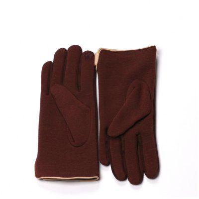 Winter Women Touch Screen Gloves Warm Texting MittensGloves<br>Winter Women Touch Screen Gloves Warm Texting Mittens<br><br>Gender: For Women<br>Glove Length: Wrist<br>Group: Adult<br>Material: Spandex, Polyester<br>Package Contents: 1 x Pair of Gloves<br>Package size (L x W x H): 20.00 x 13.00 x 3.00 cm / 7.87 x 5.12 x 1.18 inches<br>Package weight: 0.2000 kg<br>Pattern Type: Others<br>Style: Fashion