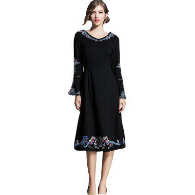 New Embroidery Long Sleeved Slim Dress