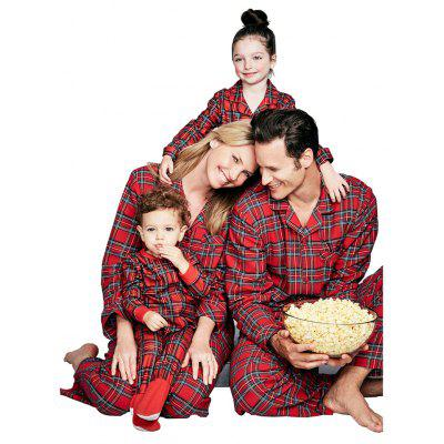 Pyjamas maison de style Noël à carreaux rouges