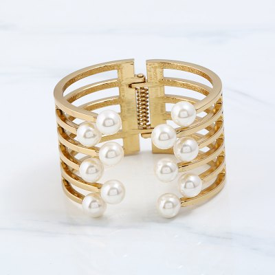 Gold-Plated Pearl with Open Bracelet