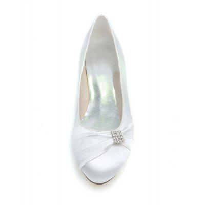 Womens Shoes Flat Round Head Wedding ShoesWomens Flats<br>Womens Shoes Flat Round Head Wedding Shoes<br><br>Available Size: 35-44<br>Closure Type: Slip-On<br>Embellishment: Metal<br>Flat Type: Ballet Flats<br>Gender: For Women<br>Heel Height: 0.6<br>Heel Height Range: Flat(0-0.5)<br>Insole Material: PU<br>Lining Material: PU<br>Occasion: Wedding<br>Outsole Material: Rubber<br>Package Contents: 1xshoes(pair)<br>Package size (L x W x H): 30.00 x 12.00 x 9.50 cm / 11.81 x 4.72 x 3.74 inches<br>Package weight: 0.5000 kg<br>Pattern Type: Others<br>Product weight: 0.3500 kg<br>Season: Spring/Fall<br>Shoe Width: Medium(B/M)<br>Toe Shape: Round Toe<br>Toe Style: Closed Toe<br>Upper Material: Mesh