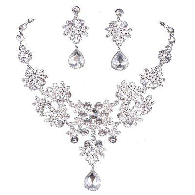 The Bride Necklace Of Jewelry Bridal Earrings