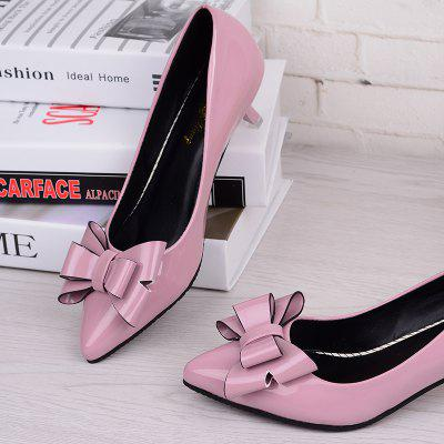 Bow-Tie Shallow and Low-Heeled ShoesWomens Pumps<br>Bow-Tie Shallow and Low-Heeled Shoes<br><br>Available Size: 35 36 37 38 39<br>Heel Height: 4.5cm<br>Heel Type: Stiletto Heel<br>Lining Material: PU<br>Occasion: Casual<br>Package Contents: 1xshoes(pair)<br>Pumps Type: Basic<br>Season: Spring/Fall<br>Toe Shape: Pointed Toe<br>Toe Style: Closed Toe<br>Upper Material: PU<br>Weight: 1.5000kg