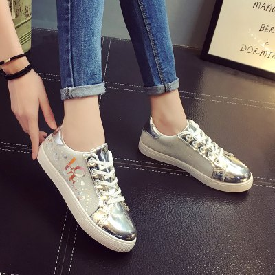 Lace Up Shoes Female Smooth Flat ShoesWomens Casual Shoes<br>Lace Up Shoes Female Smooth Flat Shoes<br><br>Available Size: 35.36.37.38.39.40<br>Closure Type: Lace-Up<br>Embellishment: Letter<br>Gender: For Women<br>Outsole Material: Rubber<br>Package Contents: 1 x shoes (pair)<br>Pattern Type: Others<br>Season: Summer, Winter, Spring/Fall<br>Toe Shape: Round Toe<br>Toe Style: Closed Toe<br>Upper Material: PU<br>Weight: 1.0800kg