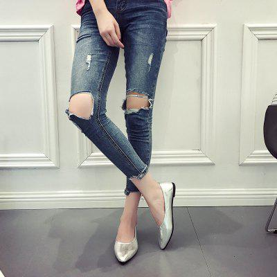 Fashionable and Comfortable Shallow Mouth WomenS Single ShoesWomens Flats<br>Fashionable and Comfortable Shallow Mouth WomenS Single Shoes<br><br>Available Size: 35.36.37.38.39.40<br>Closure Type: Slip-On<br>Flat Type: Mary Janes<br>Gender: For Women<br>Occasion: Casual<br>Package Contents: 1 x shoes (pair)<br>Package size (L x W x H): 30.00 x 18.00 x 10.00 cm / 11.81 x 7.09 x 3.94 inches<br>Package weight: 0.3000 kg<br>Pattern Type: Solid<br>Season: Summer, Spring/Fall<br>Toe Shape: Pointed Toe<br>Toe Style: Closed Toe<br>Upper Material: Patent Leather