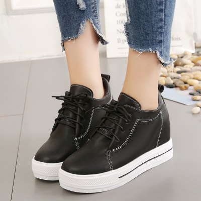 Fashionable Leisure WomenS Single ShoesWomens Casual Shoes<br>Fashionable Leisure WomenS Single Shoes<br><br>Available Size: 35.36.37.38.39<br>Closure Type: Lace-Up<br>Embellishment: None<br>Gender: For Women<br>Outsole Material: Rubber<br>Package Contents: 1 x shoes (pair)<br>Pattern Type: Others<br>Season: Winter<br>Toe Shape: Round Toe<br>Toe Style: Closed Toe<br>Upper Material: PU<br>Weight: 1.0800kg