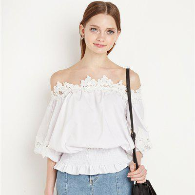 Lotus Leaf Lace Strapless Loose Collar ShirtBlouses<br>Lotus Leaf Lace Strapless Loose Collar Shirt<br><br>Collar: Keyhole Neck<br>Elasticity: Super-elastic<br>Embellishment: Ruffles<br>Fabric Type: Broadcloth<br>Material: Cotton<br>Package Contents: 1 x Shirt<br>Pattern Type: Solid<br>Shirt Length: Short<br>Sleeve Length: Half<br>Style: Fashion<br>Weight: 0.1000kg