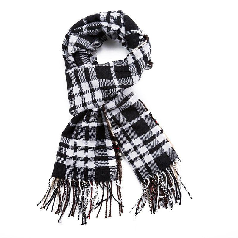 British Style with A Warm and Thickened Scarf