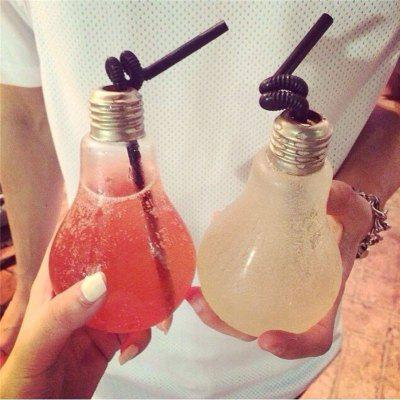 Fashion Creative Light Bulb vormige Fles Drink Cup Water Bottle Opknoping Decor