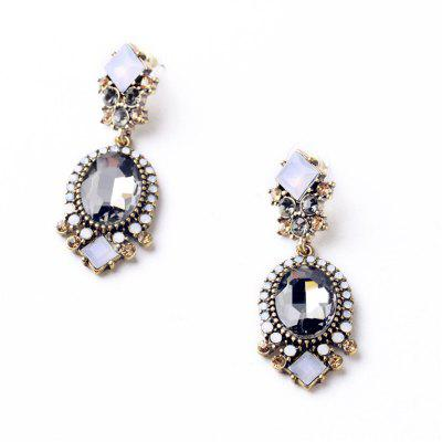 Fashion Oval Diamond-Encrusted EarringsEarrings<br>Fashion Oval Diamond-Encrusted Earrings<br><br>Back Finding: Push-back<br>Earring Type: Hoop Earrings<br>Gender: For Women<br>Material: Zinc Alloy<br>Metal Type: Zinc Alloy<br>Occasion: Party<br>Package Contents: 1 x pair of earring<br>Package size (L x W x H): 1.00 x 1.00 x 1.00 cm / 0.39 x 0.39 x 0.39 inches<br>Package weight: 0.0340 kg<br>Product weight: 0.0240 kg<br>Setting Type: None<br>Shape/Pattern: Animal<br>Style: Classic<br>Surface Plating: 14K Gold Plated