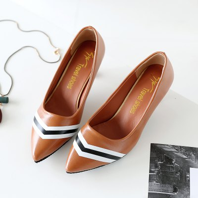 Double Color Fashionable Simple ShoesWomens Pumps<br>Double Color Fashionable Simple Shoes<br><br>Available Size: 35 36 37 38 39<br>Heel Type: Kitten Heel<br>Lining Material: PU<br>Occasion: Party<br>Package Contents: 1xshoes(pair)<br>Pumps Type: Basic<br>Season: Spring/Fall<br>Toe Shape: Pointed Toe<br>Toe Style: Closed Toe<br>Upper Material: PU<br>Weight: 1.5000kg