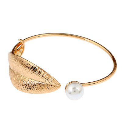 Alloy Inlaid Pearl Leaf BraceletBracelets &amp; Bangles<br>Alloy Inlaid Pearl Leaf Bracelet<br><br>Closure Type: Open<br>Diameter of Bangle: 6cm<br>Gender: For Women<br>Item Type: Charm Bracelets<br>Length of Chain: 18cm<br>Metal Type: Alloy<br>Necklace Type: Other<br>Package Contents: 1 x bracelet<br>Package size (L x W x H): 8.00 x 6.00 x 4.00 cm / 3.15 x 2.36 x 1.57 inches<br>Package weight: 0.0250 kg<br>Product size (L x W x H): 6.00 x 2.00 x 1.00 cm / 2.36 x 0.79 x 0.39 inches<br>Product weight: 0.0200 kg<br>Setting Type: None<br>Shape/Pattern: Plant<br>Style: Retro