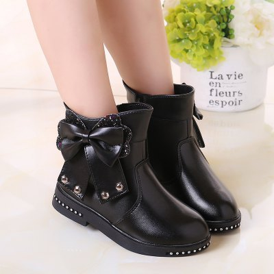Leather Martin Boots Children Girls ShoesGirls shose<br>Leather Martin Boots Children Girls Shoes<br><br>Available Size: 27-37<br>Boot Type: Fashion Boots<br>Closure Type: Zip<br>Embellishment: Bow<br>Gender: Baby Girls<br>Item Type: Boots<br>Lining Material: Plush<br>Outsole Material: Rubber<br>Package Contents: 1 x Pair of Shoes<br>Package weight: 0.8000 kg<br>Seasons: Winter<br>Upper Material: PU