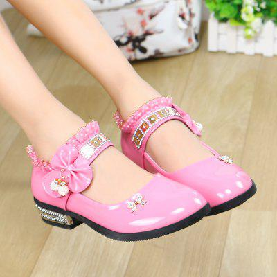 2018 Spring Baby Girl Dance ShoeGirls shose<br>2018 Spring Baby Girl Dance Shoe<br><br>Available Size: 26-36<br>Closure Type: Hook / Loop<br>Embellishment: Ribbons<br>Gender: Baby Girls<br>Item Type: Leather Shoes<br>Lining Material: PU<br>Outsole Material: Rubber<br>Package Contents: 1 x Pair of Shoes<br>Package weight: 0.5000 kg<br>Seasons: Spring/Fall<br>Upper Material: PU