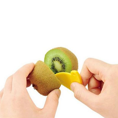Kiwi Fruit Cutting SeparatorFruit &amp; Vegetable Tools<br>Kiwi Fruit Cutting Separator<br><br>Material: ABS<br>Package Contents: 1 x Kiwi Fruit Cutting Separator<br>Package size (L x W x H): 18.00 x 12.00 x 7.60 cm / 7.09 x 4.72 x 2.99 inches<br>Package weight: 0.0750 kg<br>Product size (L x W x H): 8.00 x 7.00 x 7.00 cm / 3.15 x 2.76 x 2.76 inches<br>Product weight: 0.0620 kg