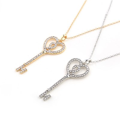 European and American new diamond love key pendant necklaceNecklaces &amp; Pendants<br>European and American new diamond love key pendant necklace<br><br>Gender: For Women<br>Item Type: Chains Necklaces<br>Material: Semi-Precious Stone<br>Metal Type: Zinc Alloy<br>Necklace Type: Link Chain<br>Package Contents: 1 x necklace<br>Package size (L x W x H): 1.00 x 1.00 x 1.00 cm / 0.39 x 0.39 x 0.39 inches<br>Package weight: 0.0100 kg<br>Product size (L x W x H): 1.00 x 1.00 x 1.00 cm / 0.39 x 0.39 x 0.39 inches<br>Shape/Pattern: Key<br>Stone Color: White<br>Style: Classic<br>Surface Plating: Silver Plated