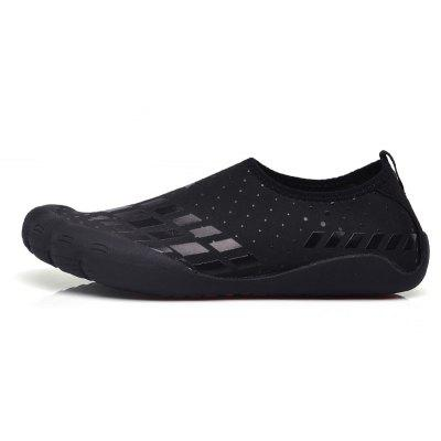 Water Swimming Beach Breathable Running ShoesCasual Shoes<br>Water Swimming Beach Breathable Running Shoes<br><br>Available Size: 39,40,41,42,43,44,45<br>Closure Type: Slip-On<br>Feature: Breathable<br>Gender: Unisex<br>Insole Material: PU<br>Lining Material: Cotton Fabric<br>Outsole Material: Rubber<br>Package Contents: 1xShoes(pair)<br>Package Size(L x W x H): 30.00 x 18.00 x 5.00 cm / 11.81 x 7.09 x 1.97 inches<br>Package weight: 0.4000 kg<br>Pattern Type: Print<br>Season: Spring/Fall<br>Shoe Width: Medium(B/M)<br>Upper Material: Microfiber