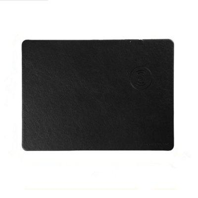 Multifunction QI Wireless Charging Mouse Pad DC 5V 1.5A Leather Wireless Charger for Qi-devicesChargers &amp; Cables<br>Multifunction QI Wireless Charging Mouse Pad DC 5V 1.5A Leather Wireless Charger for Qi-devices<br><br>Package Contents: 1 x Wireless Charger Case<br>Package size (L x W x H): 35.00 x 23.00 x 2.00 cm / 13.78 x 9.06 x 0.79 inches<br>Package weight: 0.3500 kg