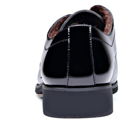New Business Fashionable with Velvet Mens Casual Shoes 9905-1Formal Shoes<br>New Business Fashionable with Velvet Mens Casual Shoes 9905-1<br><br>Available Size: 38-44<br>Closure Type: Lace-Up<br>Embellishment: Flowers<br>Gender: For Men<br>Lining Material: Cotton Fabric<br>Outsole Material: Rubber<br>Package Contents: 1xshoes(pair)<br>Pattern Type: Plaid<br>Season: Winter<br>Toe Shape: Pointed Toe<br>Toe Style: Closed Toe<br>Upper Material: Microfiber<br>Weight: 1.9800kg