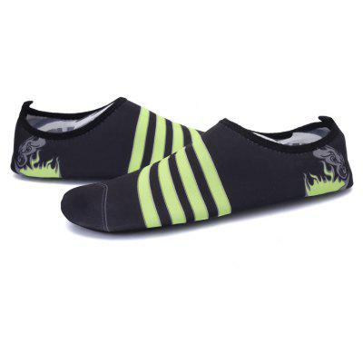 New Men and Women Comfort Non-Slip Lightweight Swim ShoesCasual Shoes<br>New Men and Women Comfort Non-Slip Lightweight Swim Shoes<br><br>Available Size: 35-44<br>Closure Type: Slip-On<br>Feature: Anti-slip, Waterproof, Durable<br>Gender: Unisex<br>Outsole Material: PVC<br>Package Contents: 1xshoes(pair)<br>Package Size ( L x W x H ): 33.00 x 20.00 x 12.00 cm / 12.99 x 7.87 x 4.72 inches<br>Pattern Type: Striped<br>Season: Spring/Fall, Summer<br>Type: Casual Shoes<br>Upper Material: PVC<br>Weight: 1.5840kg