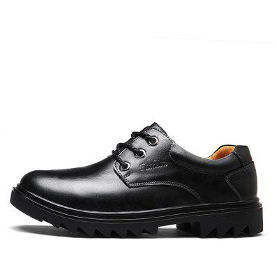 Leather Fashion Casual ShoesFormal Shoes<br>Leather Fashion Casual Shoes<br><br>Available Size: 38.39.40.41.42.43.44<br>Closure Type: Lace-Up<br>Feature: Breathable<br>Gender: For Men<br>Outsole Material: Rubber<br>Package Contents: 1xshoes(pair)<br>Package Size(L x W x H): 32.00 x 22.00 x 12.00 cm / 12.6 x 8.66 x 4.72 inches<br>Package weight: 1.1000 kg<br>Pattern Type: Solid<br>Season: Spring/Fall<br>Upper Material: Full Grain Leather